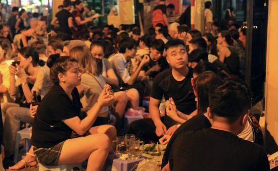 Dự thảo cấm bán rượu bia lúc đêm khuya gây tranh cãi