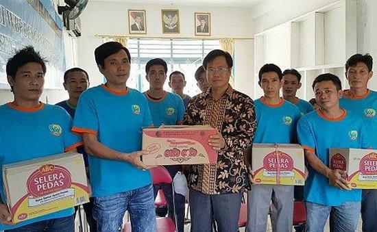 Indonesia trao trả 51 ngư dân Việt Nam