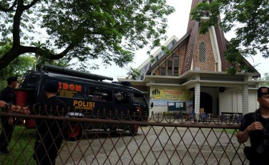 Nghi ngờ tấn công khủng bố nhà thờ tại Indonesia