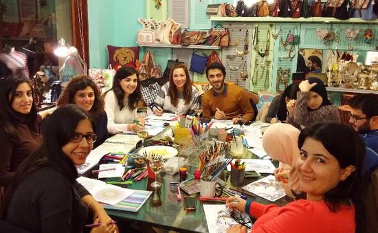 Độc đáo quán cafe tô màu ở Lebanon