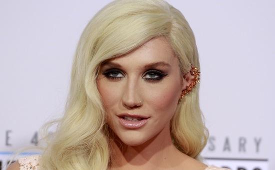 Hậu vụ kiện gây tranh cãi, Kesha bất ngờ rao bán nhà