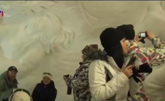 Khách sạn băng ở Nga hút hồn du khách