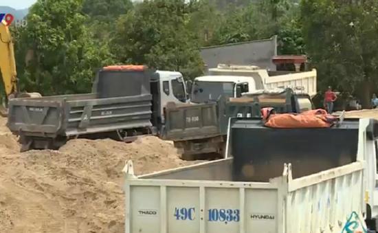 Doanh nghiệp khai thác cát hỗ trợ gia đình bị sạt lở trên 1,3 tỉ đồng