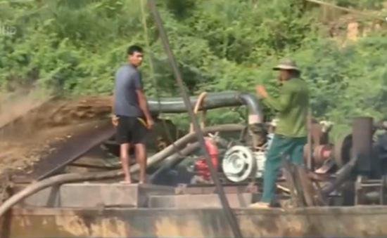 Khai thác cát trên sông Đồng Nai: Khó khăn trong quản lý