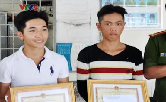 Kiên Giang: Tuyên dương 2 thanh niên cứu 5 người bị ngạt khí độc