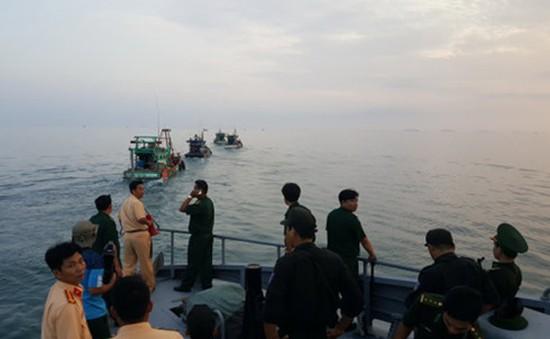 Đối tượng khai thác thủy sản trái phép ngang nhiên chống người thi hành công vụ