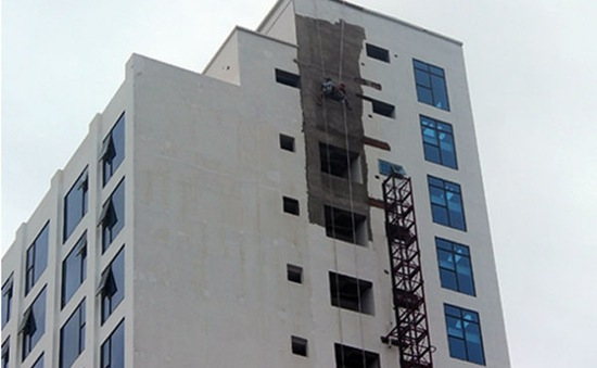 Đà Nẵng: Rơi thang máy công trình, 5 người thiệt mạng
