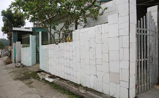 Rộ phong trào ốp gạch men chờ đền bù tại Quảng Ninh