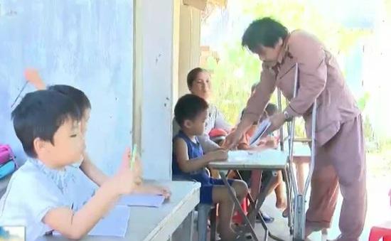Việc tử tế: Lớp học Anh văn miễn phí của bà giáo già