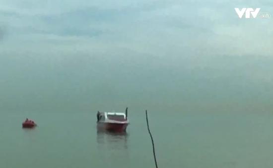 Lật tàu tại Indonesia,  21 người thiệt mạng