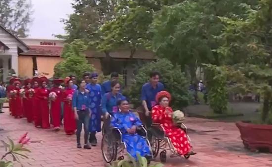 Lần đầu tiên Cần Thơ tổ chức lễ cưới tập thể cho 21 cặp đôi