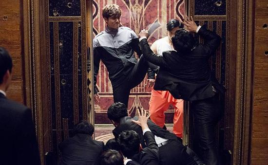 Lee Min Ho đánh đấm ra trò trong Bounty Hunters