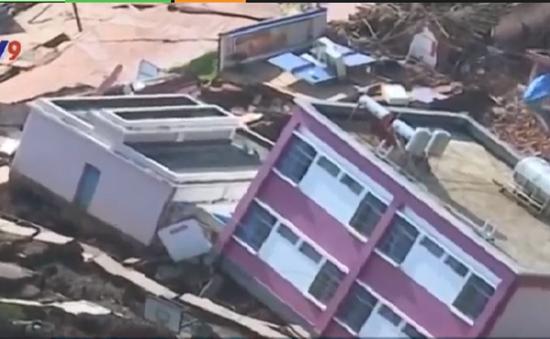 Lở đất chôn vùi một ngôi làng ở Vân Nam (Trung Quốc)