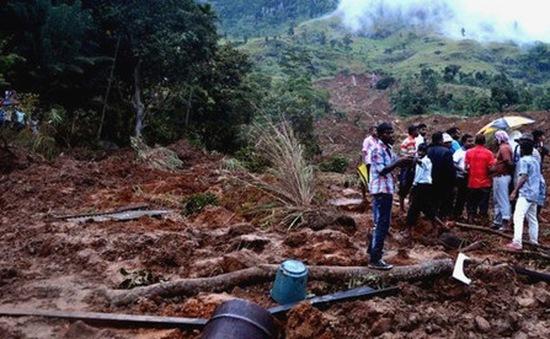 150 người bị chôn vùi do lở đất ở Sri Lanka
