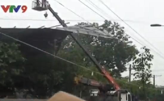 Đồng Nai: Lốc xoáy gây tốc mái 6 căn nhà