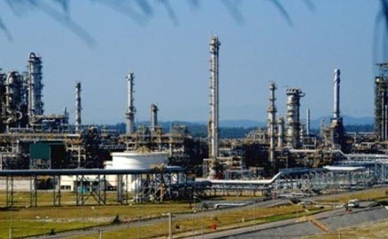 Xăng dầu giảm, Nhà máy lọc dầu Dung Quất gặp khó khăn
