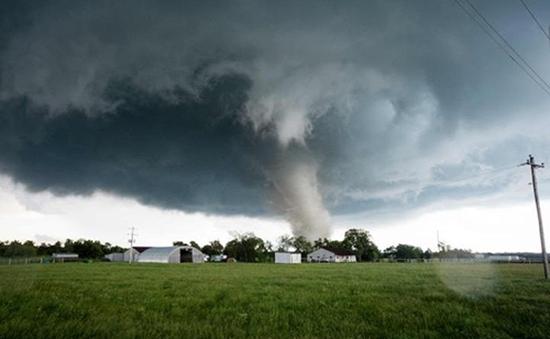 Mỹ: Lốc xoáy quét qua bang Oklahoma, ít nhất 2 người thiệt mạng