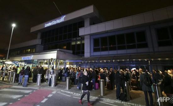 Sân bay London (Anh) mở cửa trở lại