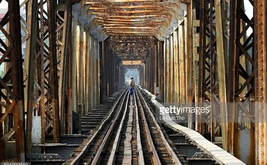 """Hàng trăm cầu đường sắt tại Việt Nam đang """"kêu cứu"""""""