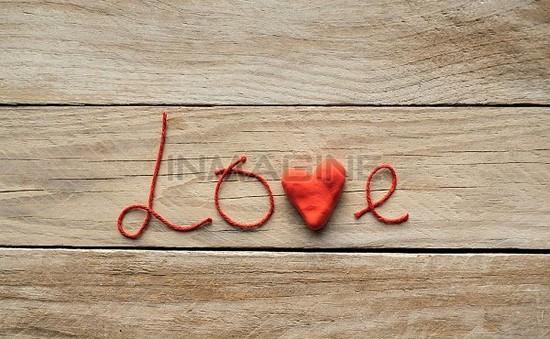 Cha mẹ nên nói với con thế nào về tình yêu?