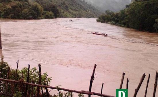 Nghệ An: Lũ nhấn chìm nhiều ngôi nhà ven sông Nậm Nơn