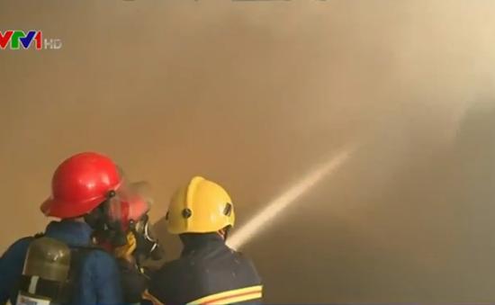 Cà Mau: Cháy lớn thiêu rụi trên 1.500 m2 xưởng chế biến Comphosite