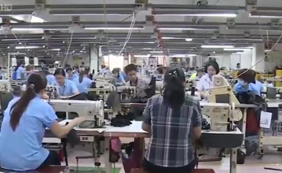 Lương lao động ngành dệt may tăng 12%