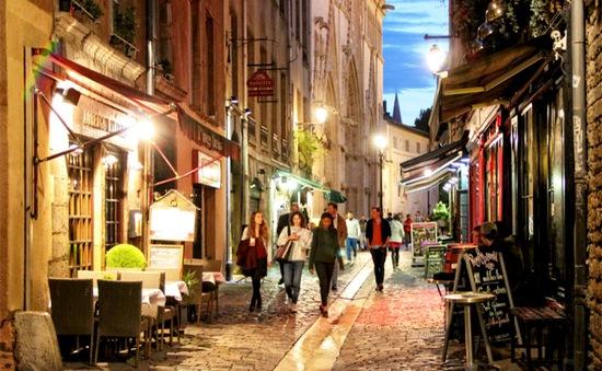 Khu phố cổ Lyon hút khách mùa Euro 2016