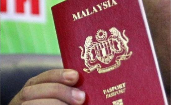 Malaysia triệt phá đường dây làm giả hộ chiếu