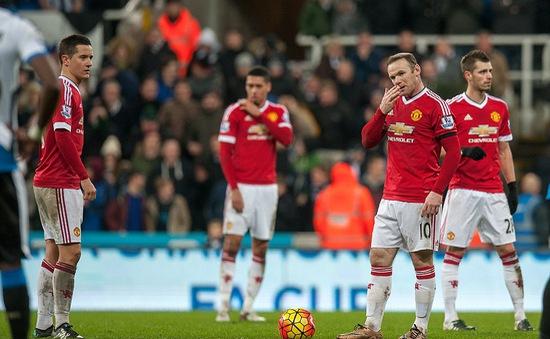 """Rooney lập cú đúp, Man Utd vẫn hòa """"dại dột"""" trước Newcastle"""