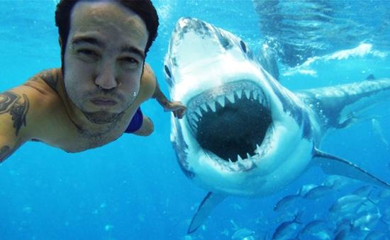 Chụp ảnh selfie vô tội vạ có thể gây nguy hiểm chết người