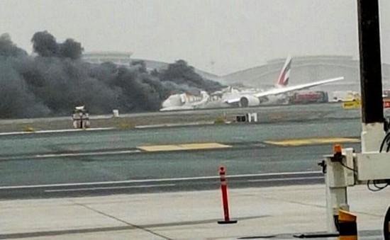 Sân bay Dubai tiếp tục đóng cửa để điều tra sự cố Emirates