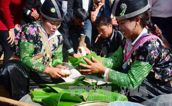 Khai mạc Ngày hội văn hóa dân tộc Mông lần thứ 2