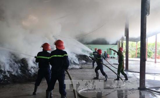 Cháy lớn tại nhà máy xử lý rác thải ở Thanh Hóa