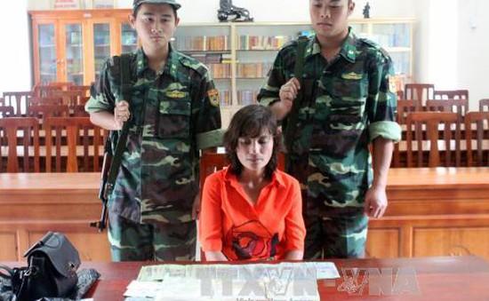 Quảng Ninh: Bắt giữ một phụ nữ vận chuyển gần 1 kg ma túy đá