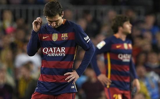 Messi cán mốc không tưởng trong ngày Barca thua trận thứ 3 liên tiếp