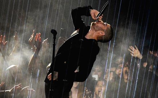 """""""Lật đổ"""" Adele, Zayn Malik ghi tên vào lịch sử"""