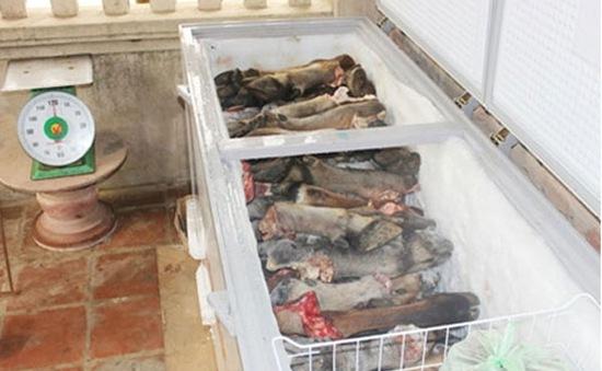 Phát hiện cơ sở tái chế mỡ, xương trâu bò ôi thiu ở Vĩnh Phúc