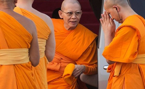 Cảnh sát Thái Lan truy bắt nhà sư biển thủ 40 triệu USD