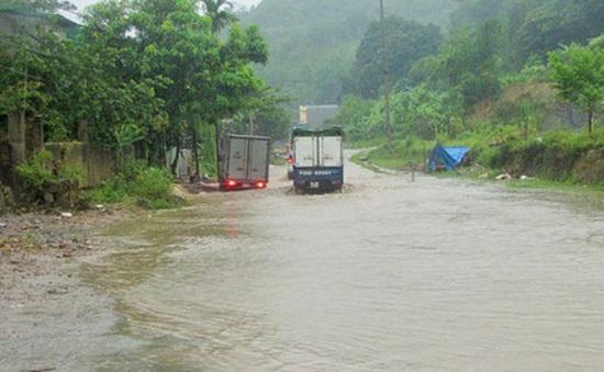 Xã Phương Mỹ (Hà Tĩnh) bị cô lập hoàn toàn do mưa lũ