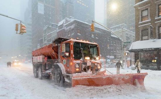 """Mỹ thiệt hại hơn 1,2 tỷ USD vì bão tuyết """"Snowzilla"""" trong 24 giờ"""