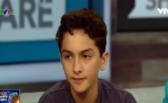 Mỹ: Cậu bé 14 tuổi đọc thơ xin lỗi người da màu