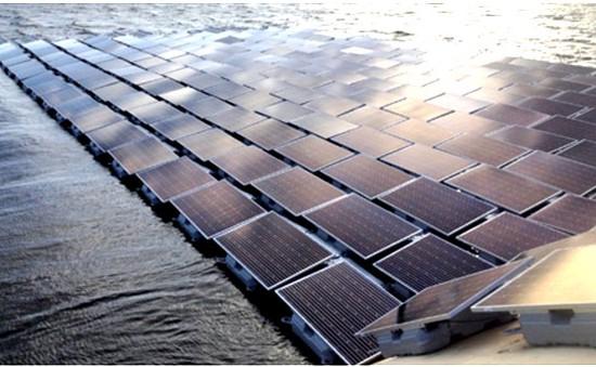 London lắp đặt hệ thống pin năng lượng mặt trời nổi lớn nhất châu Âu