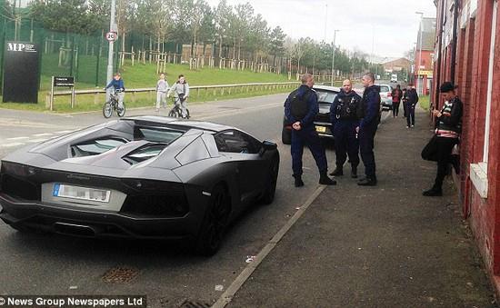 Siêu xe Lamborghini của Nasri bị cảnh sát tạm giữ