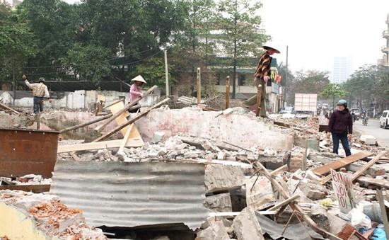 """600 hộ dân sống tạm bợ gần nửa thế kỷ vì dự án """"treo"""""""