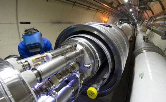 Nga chế tạo máy gia tốc hạt siêu dẫn NICA