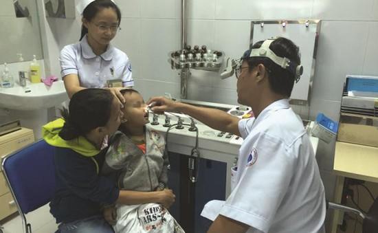 Trẻ cắt amiđan cao gấp 5 lần vào dịp hè tại TP.HCM