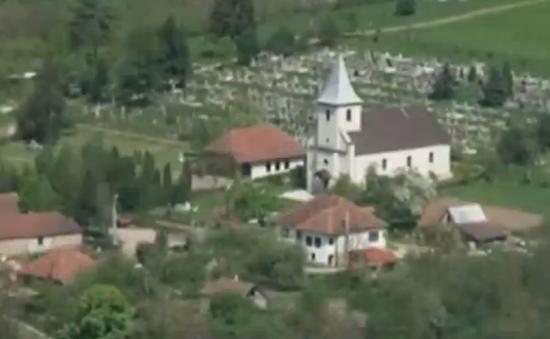 Ngôi làng tại Hungary phục hồi thần kì nhờ bãi bỏ thuế