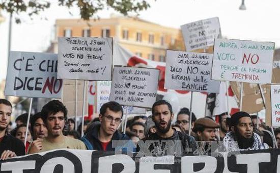 Người dân Italy chia rẽ sâu sắc trước thềm cuộc trưng cầu dân ý