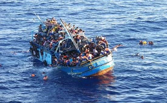 Italy cứu 4.500 người di cư ngoài khơi